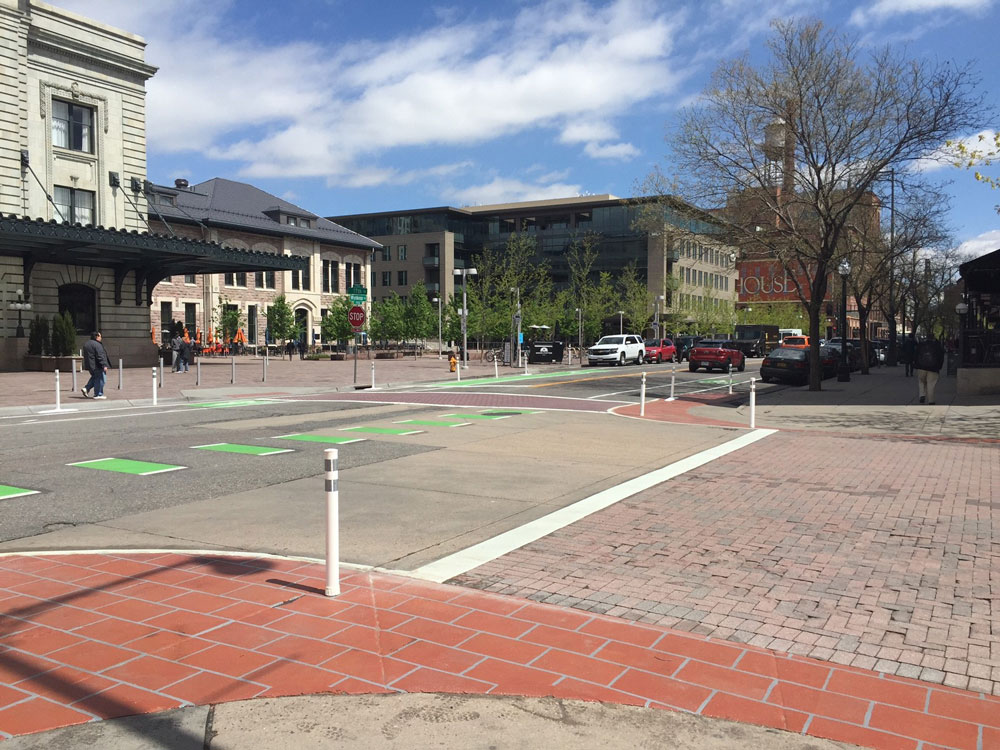 intersection of Wynkoop and 17th street with pedestrian enhancements