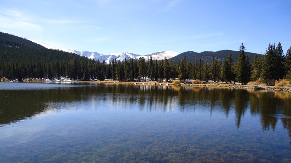 Echo Lake Park surrounded by evergreen forests with mountain views