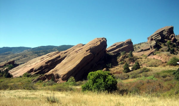 red sandstone rock formations in Red Rocks Park